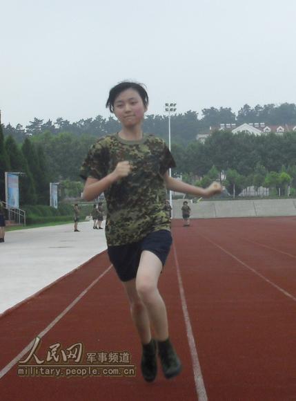 蚌埠日记学院集训200国防生性格女生累并快马尾辫坦克女生图片