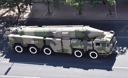 东风-21等国产弹道导弹,主要用于战略威慑和部分对地战术打击任务,外界对其的性能幻想已远远超过现实。(资料图)