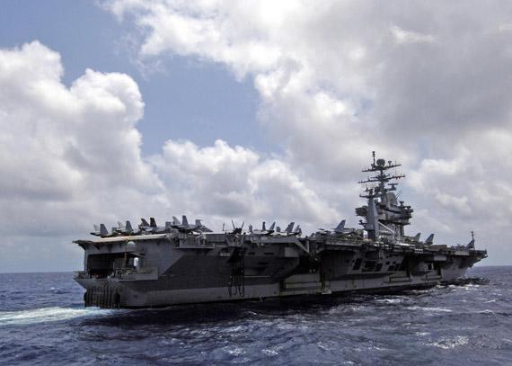 """美国海军""""乔治·华盛顿""""号核航母"""