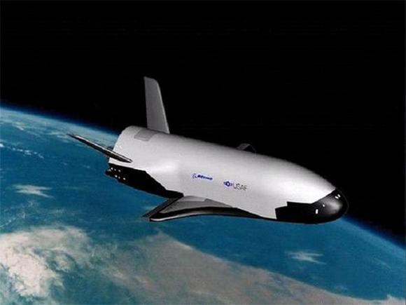 波音公司为美国空军研制的x37b军用空天飞机