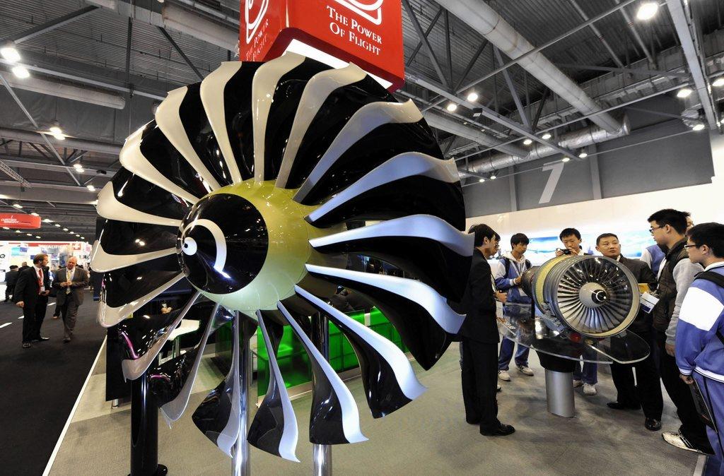 高清:法国斯奈克玛公司展示飞机发动机
