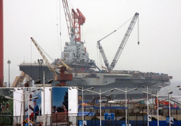 组图:中国巨舰即将出航 圆我70年航母梦(3)