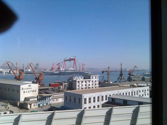 组图:中国巨舰即将出航 圆我70年航母梦(21)