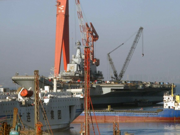 组图:中国巨舰即将出航 圆我70年航母梦(4)