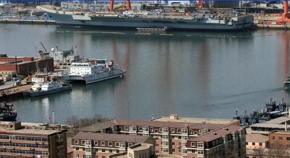 组图:中国巨舰即将出航 圆我70年航母梦(18)