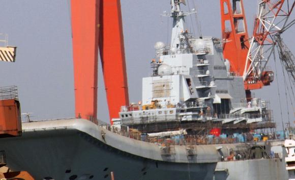 组图:中国巨舰即将出航 圆我70年航母梦(5)
