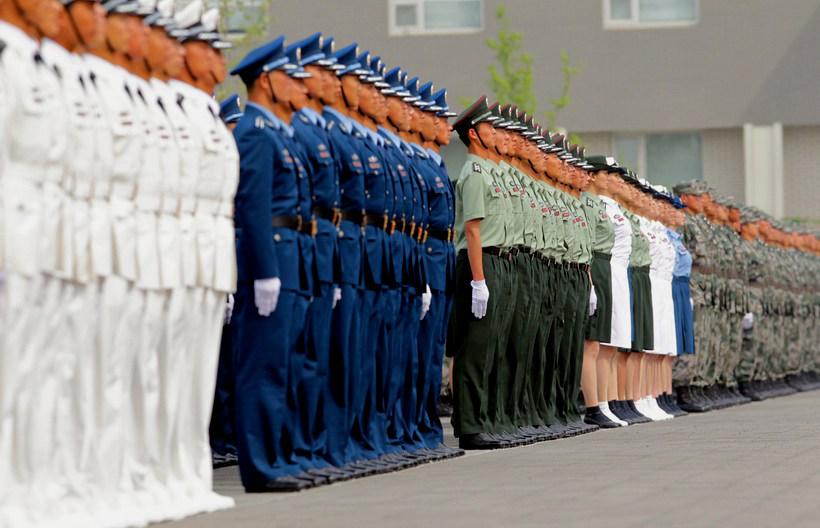 高清 全军07式预备役军服换装仪式在北京举行 8图片