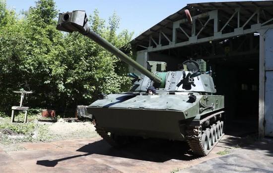 """俄罗斯""""莲花""""自行火炮通过验收射程达13公里"""
