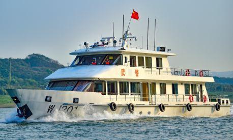 重庆武警:船艇官兵开展实战化训练